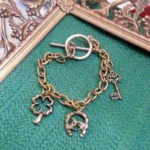 "Antique gold ""key 2 good luck""charm bracelet"" NWOT"